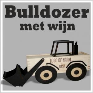 houten bulldozer met wijn