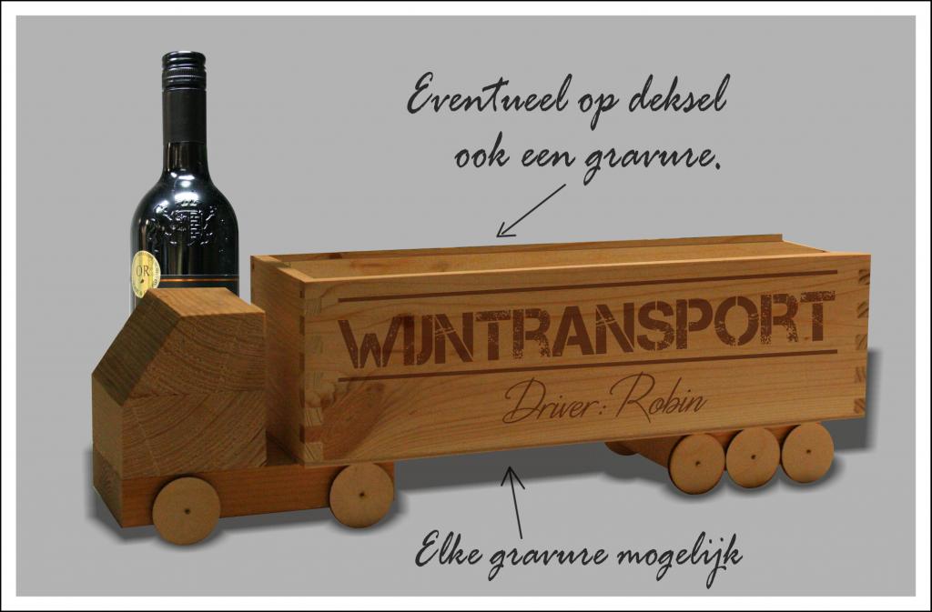 houten wijntruck met gravering